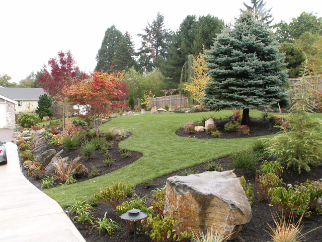 Bull mountain property innovative landscaping inc for Garden design ideas half acre