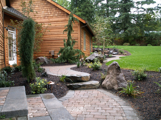 Battle ground property innovative landscaping inc for Landscaping ideas for triangular area